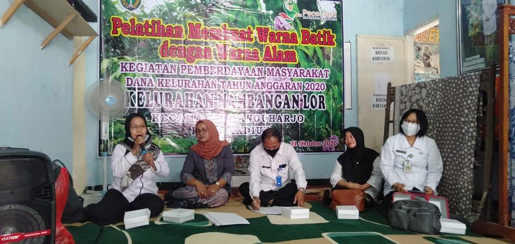 Untuk Pemberdayaan Masyarakat maka Kelurahan Nambangan Lor menganggarkan Pelatihan  Warna Alam untuk membatik dengan  jumlah personil 10 orang ibu tempat Pelatihan di LPK batik Murni yg mana sudah di buka oleh Bapak Lurah Nambangan Lor SLAMET.SH