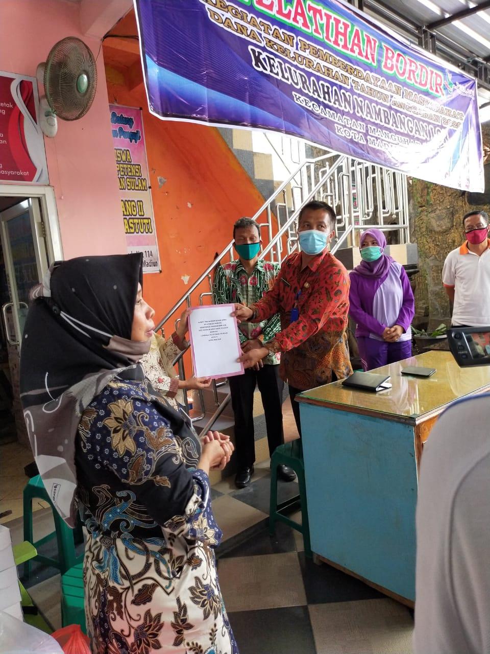 Untuk Pemberdayaan Masyarakat selain pelatihan memasak  juga ada kegiatan Bordir selama 5 Hari dan bekerja sama dengan LKP astuti Jl. Gajah Mada Kec Manguharjo
